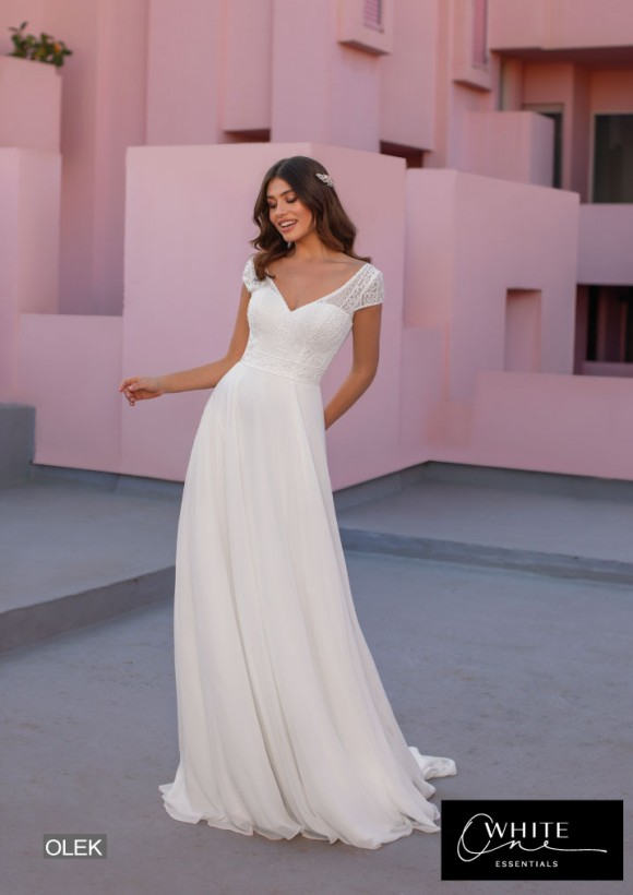 vestido novia White One Essentials modelo olek