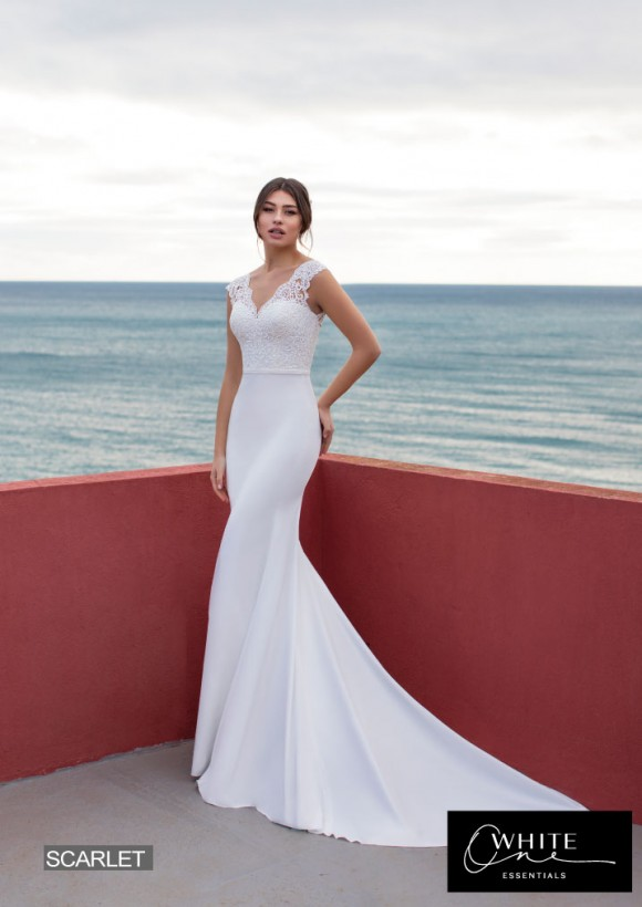 vestido novia White One Essentials modelo scarlet